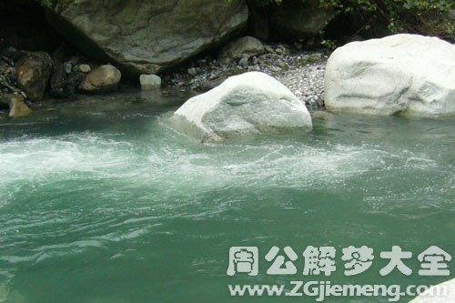 孕妇梦见很多水