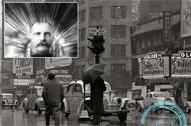 男子离奇穿越时空 出现在纽约