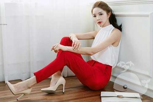 梦见自己穿红裤子